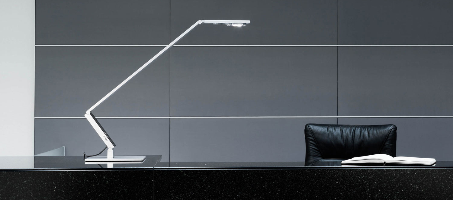 LUCTRA LINEAR TABLE PRO